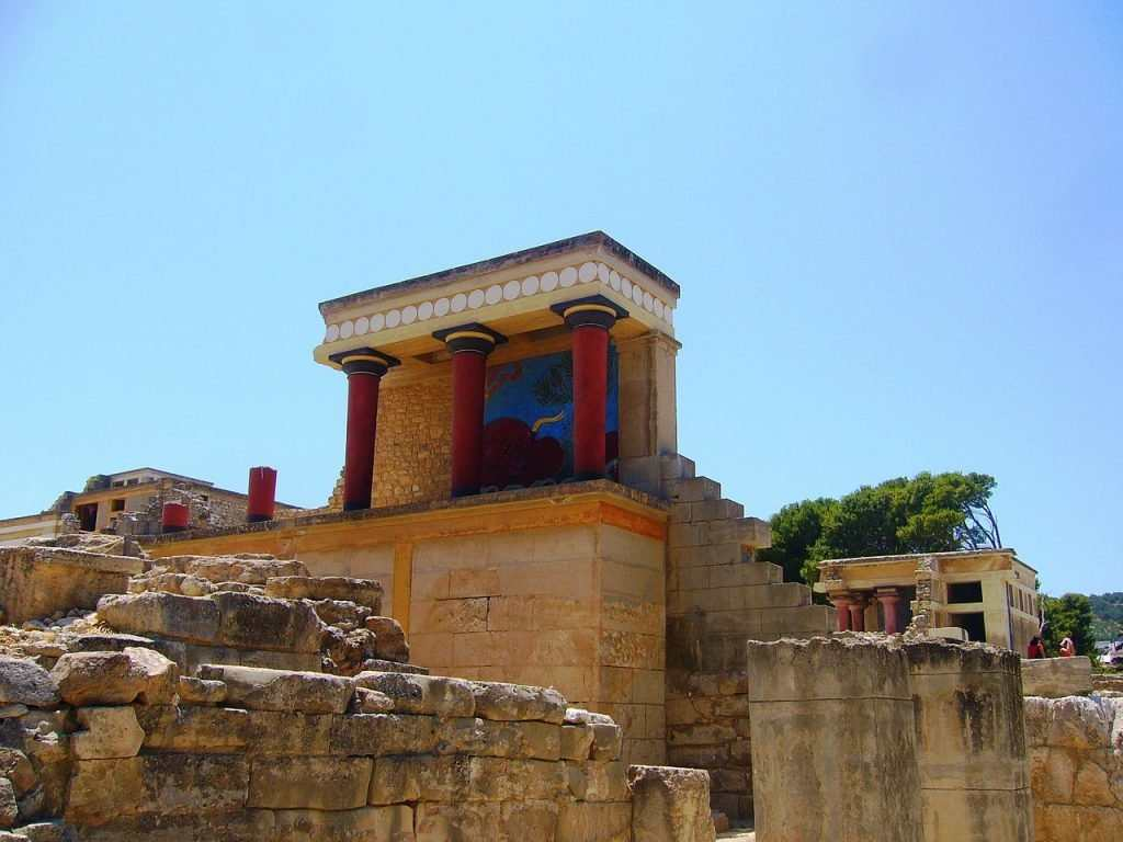 knossos archaeological site, knossos archaeology crete, knossos palace and the archaeological museum of heraklion, knossos archaeological site address