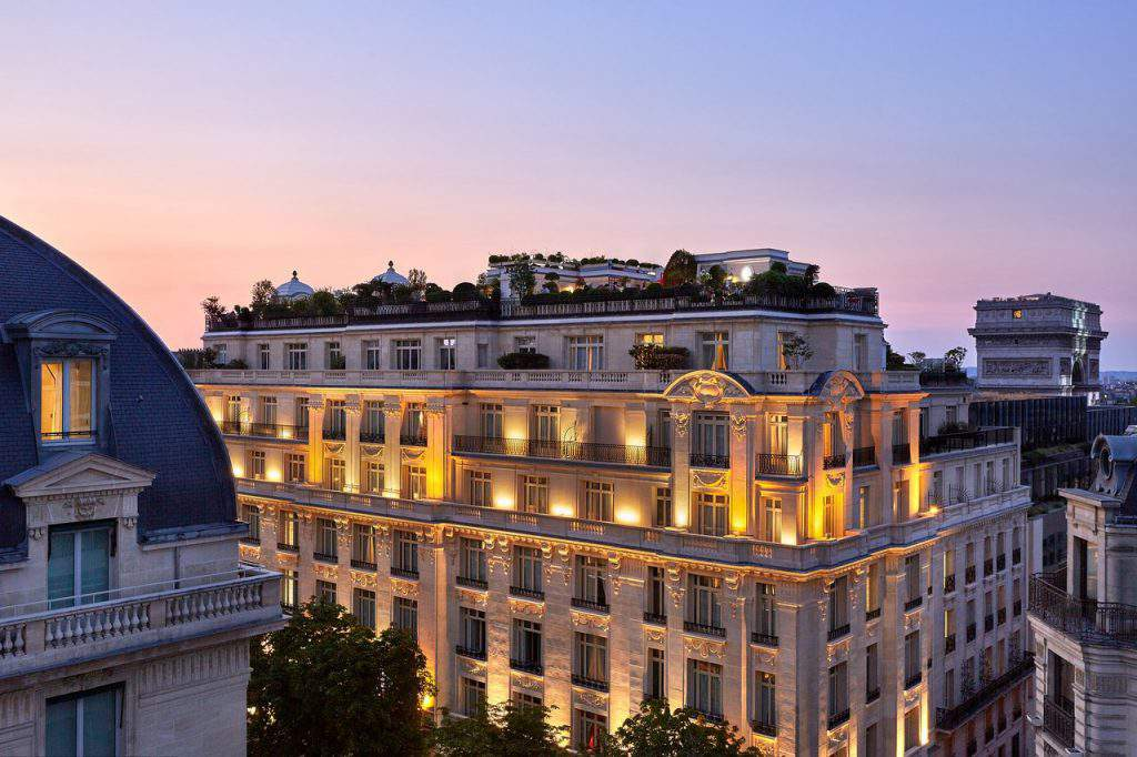 hotel raphael paris reviews,hotel raphael chicago restaurant,hotel raphael rome address